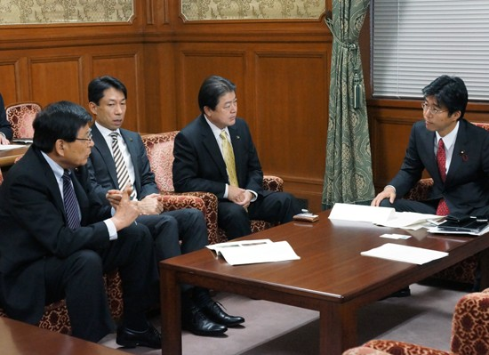 【活動報告】汚染焼却灰に関する千葉県北西部5市長懇談会の方々と懇談